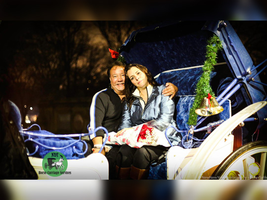 Romantic date night carriage ride with Dark Chocolate💑🍫🎩🐴